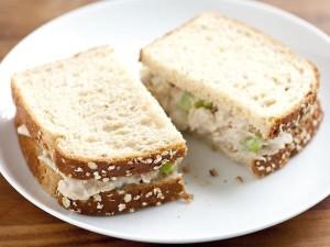Kalori Sandwich Tuna